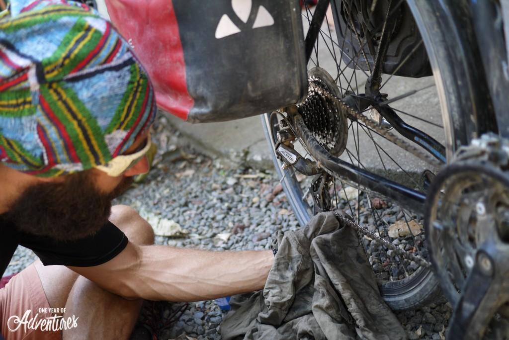 Une de nos innombrables opération de maintenance mécanique. Mieux vaut prévenir que guérir !