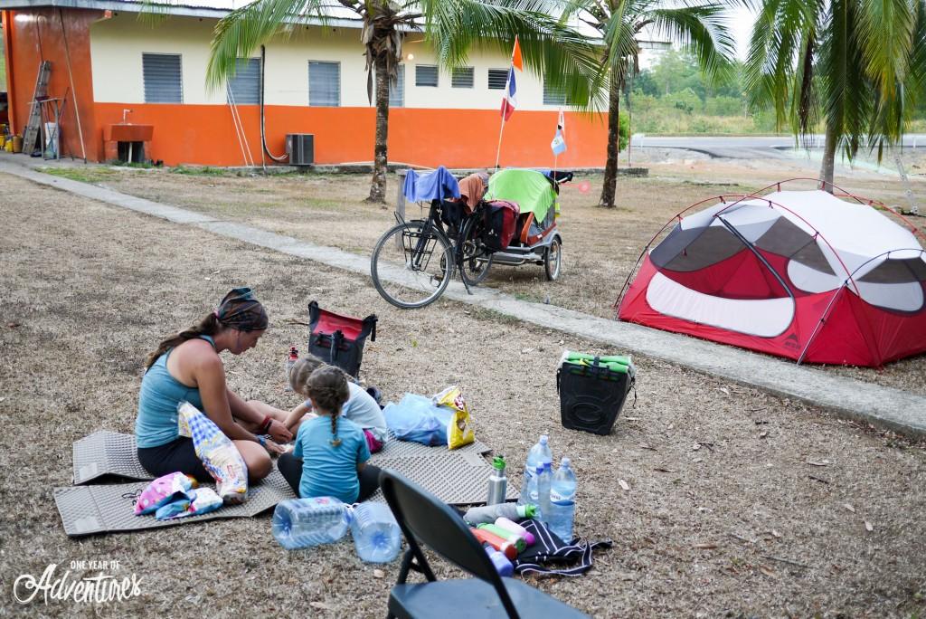 Campement installé chez les Bomberos Panaméens