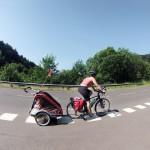 cyclotourisme avec carriole et enfants