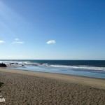 Premières vagues sur le pacifique. Let's go surfing !